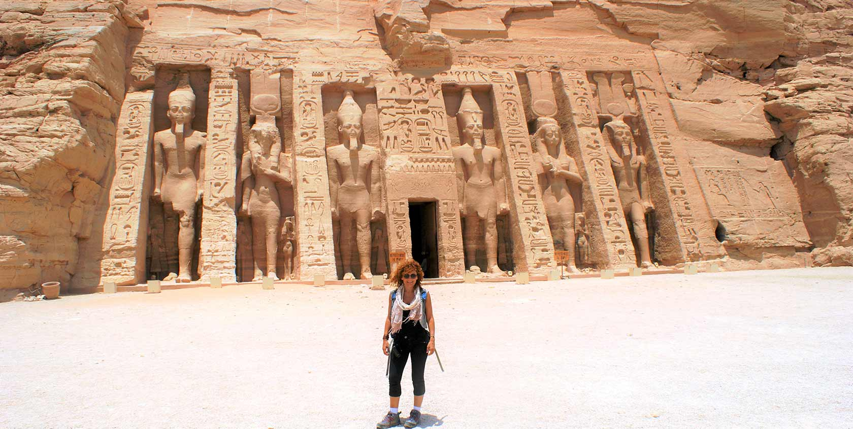 curly_nomad_egypt_abu_simbel_hathor