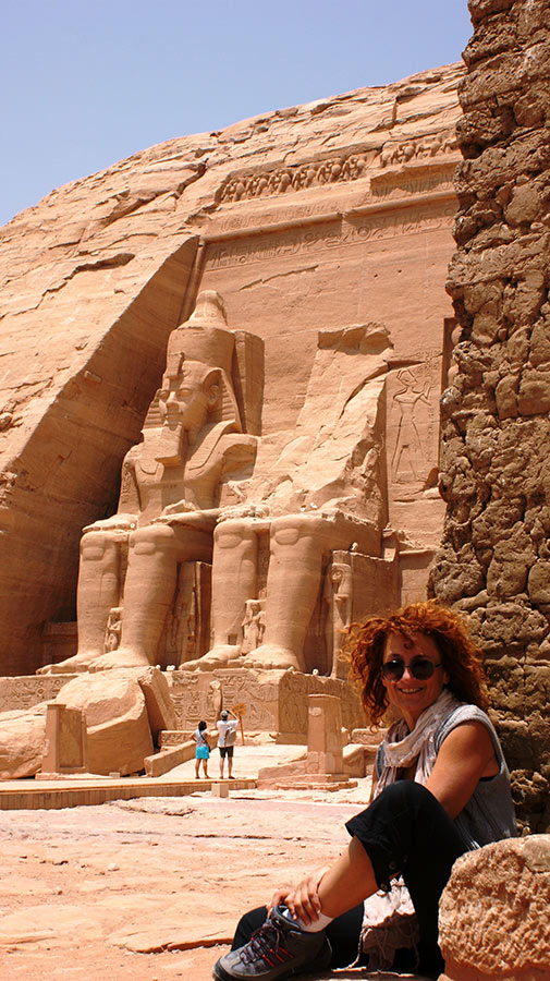 curly_nomad_egypt_abu_simbel_queen