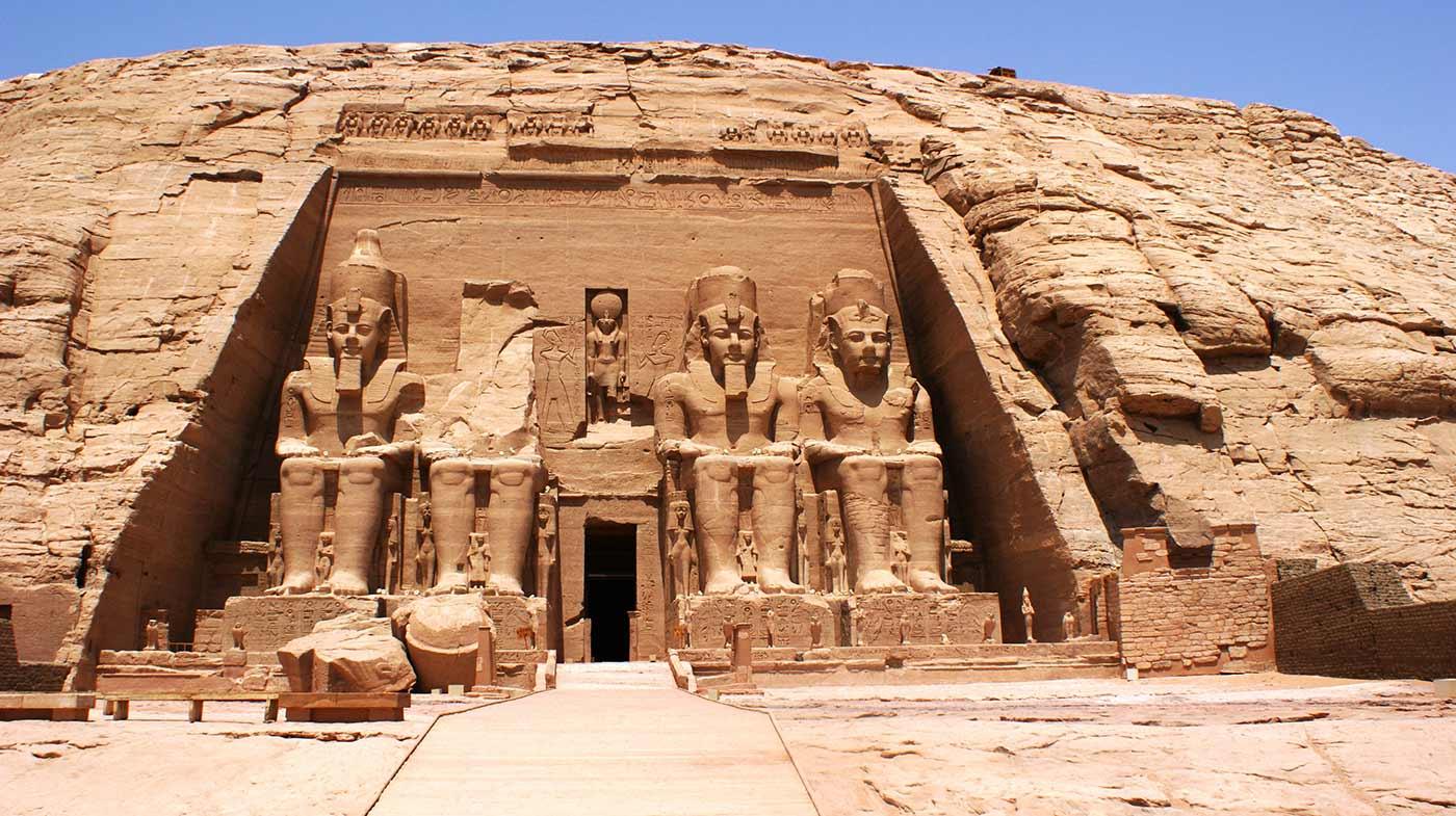 curly_nomad_egypt_abu_simbel_ramses