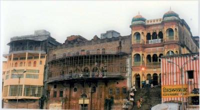 curlynomad India Varanasi photo