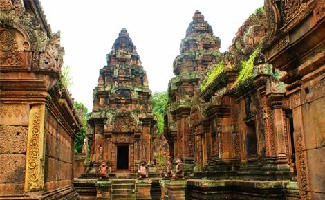 curlynomad-asia-banteay-srei_angkor cambodia image