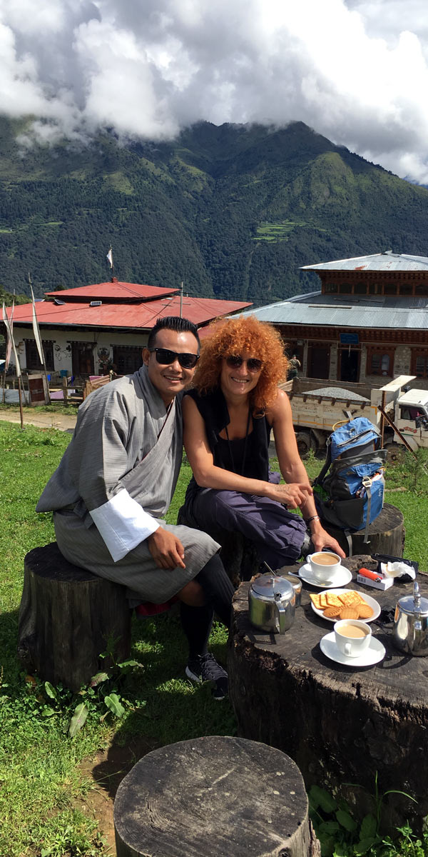 curlynomad friends bhutan dochula image