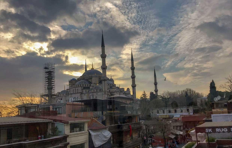 curlynomad turkey istanbul sultanahmet camii blue mosque sunset photo