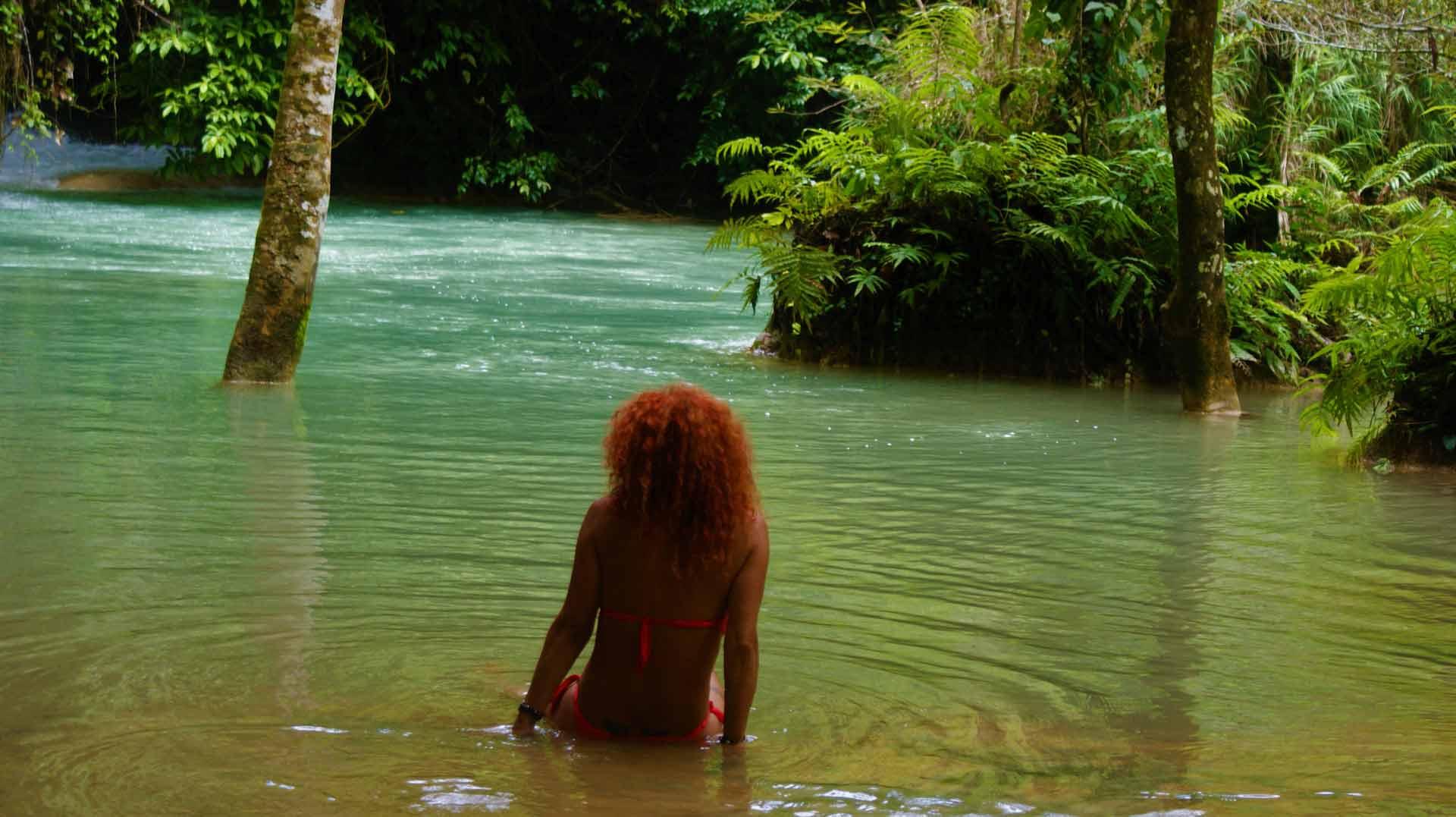 curly nomad lao luang prabang kuang si fish spa photo